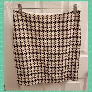 White House Black Market Houndstooth Skirt